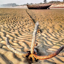 The anchor by Uttal Chakraborty - Novices Only Objects & Still Life ( waiting, india, beach, boat, anchor )
