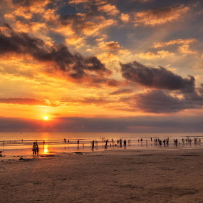 KUTA BEACH IN A CROWD by Johan Joe - Landscapes Cloud Formations