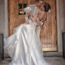 The kiss by Janell Gable - People Couples ( wedding )