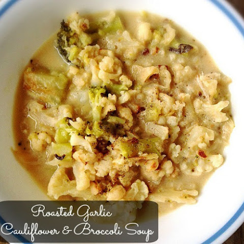 Roasted Garlic Cauliflower Broccoli Soup