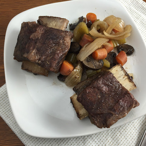 Beer Braised Short Ribs in a Slow Cooker