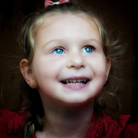 little lady by Daniel Markiewicz - Babies & Children Child Portraits