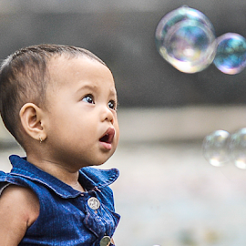Ola and Bubble by Doeh Namaku - Babies & Children Children Candids