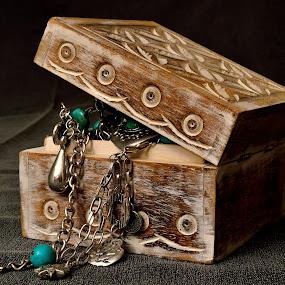 by Sonja VN - Artistic Objects Jewelry