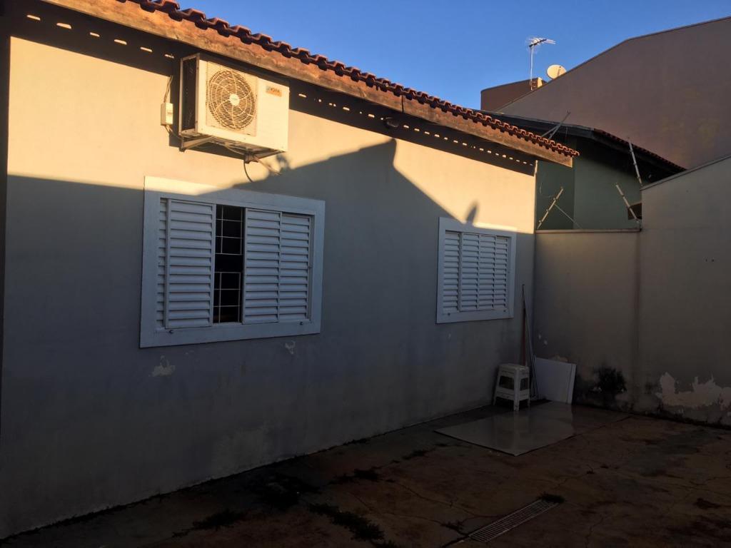 Casa para Aluguel 113 m²  com 3 quartos