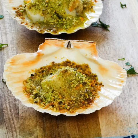 Pistachio Orange Crusted Scallops For A Super Tasty Starter!