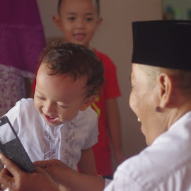Both Smiling by Danil  Syahrizal - Novices Only Street & Candid ( candid, old man, smile, toddler, boy )