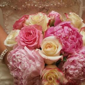 bouquet by Brenda Shoemake - Wedding Details