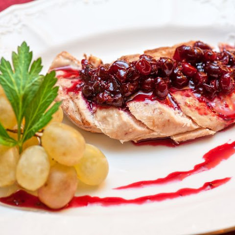 Chicken with Cranberries and Red Wine