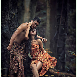 Etnic Sexy Couple2 by Ghamhatronich Ghamhatronich - People Couples ( unique outfit, sexy, fashion, urban portrait, traditional, forest, couple, urban fashion, janendraumbrella dewwi ditto )
