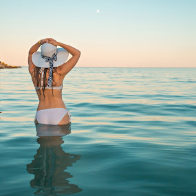 Over the Horizont by Srdjan Vujmilovic - People Portraits of Women ( skyline, girl, sky, nature, outdoor, sea, ocean, seaside, portrait )