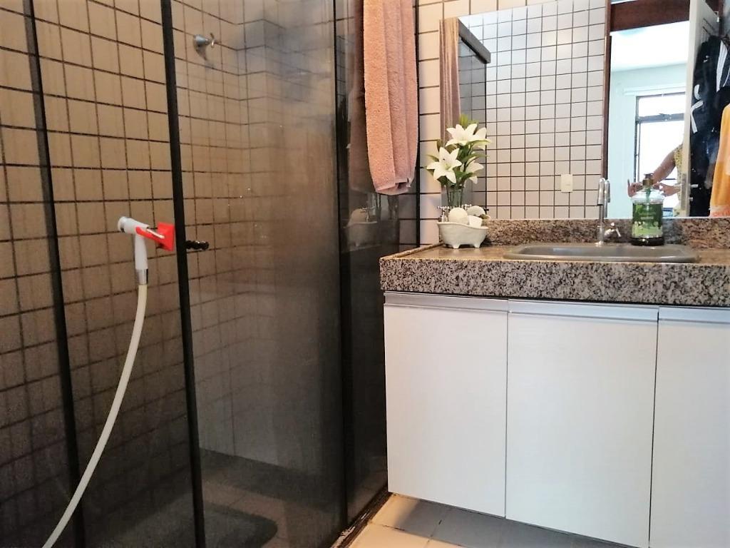 Apartamento com 3 dormitórios à venda, 110 m² por R$ 420.000 - Cabo Branco - João Pessoa/PB