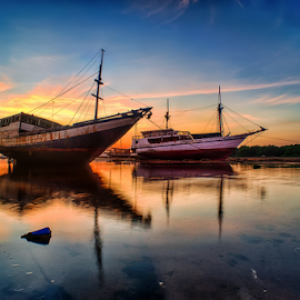 .:: symphony of lights ::. by Setyawan B. Prasodjo - Transportation Boats