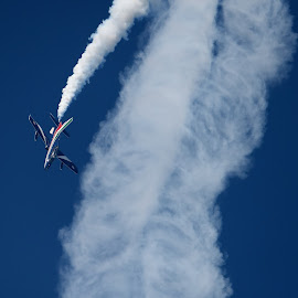 ...aaand back down again! by Bruno Brunetti - Transportation Airplanes ( planes, acrobatic patrol, frecce tricolori, air show )