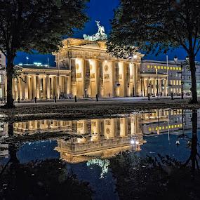 Brandenburg gate at night by Daniel Schwabe - Travel Locations Landmarks