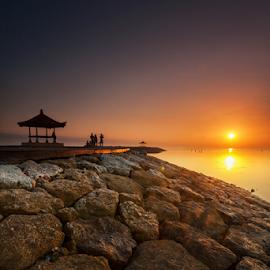 Sunrise in Bali by Oyi Kresnamurti - Landscapes Beaches ( bali, indonesia, sanur, sea, beach, sunrise, sun )