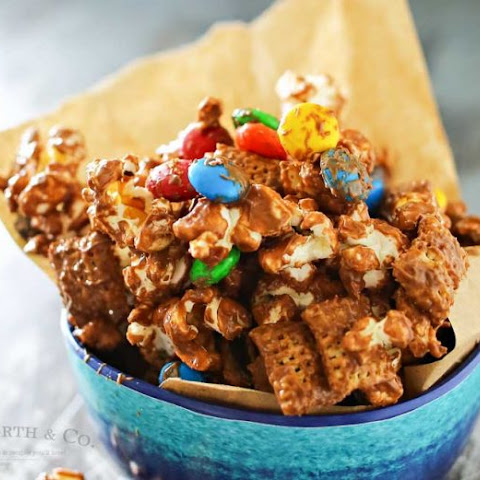 Peanut Butter Chocolate Snack Mix