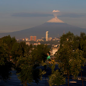 Popocatepet adn Puebla city by Cristobal Garciaferro Rubio - City,  Street & Park  Vistas ( popo, mexico, puebla, popocatepetl, smoking volcano, snowy volcano, city )