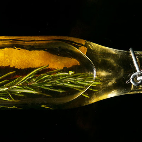 Vinegar with Burnt Cinnamon, Orange and Rosemary