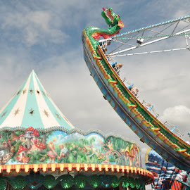 Illustration by J & M - City,  Street & Park  Amusement Parks ( park, amusement, illustration, image, view )