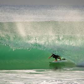 barrels in burleigh by Nicolas Palacios Hernandez - Sports & Fitness Surfing ( nico, nico palacios photography, shooting down the barrel photography, surfing, shooting down the barrel, barrels, surf photography, surf,  )