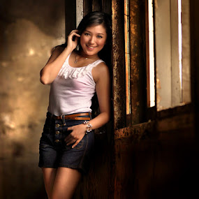 Rini's Smile by Zainal Arifin  - People Fashion