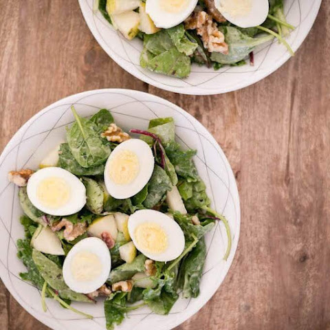 Walnut Pear Bacon Salad with Pear Dressing