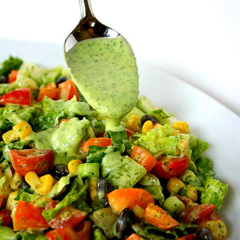 Vegetable Fitness Salad With Avocado Sauce