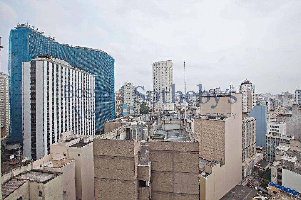 Apartamento em Edifício Ícone na Praça da República