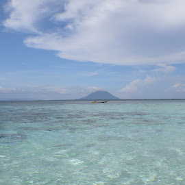 Manado Tua mountain from Nain beach, Manado by JudiEndjun Ultrasound - Landscapes Beaches