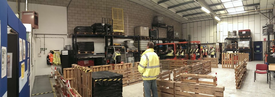 Training centre with counterbalance and reach trucks