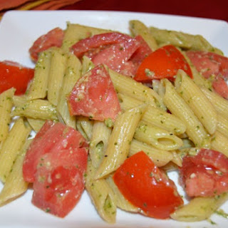 Fresh Tomato And Pesto Pasta