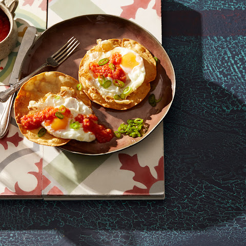 Mexican Ranch-style Eggs With Spicy Tomato Sauce And Fried Tortillas (huevos Rancheros)