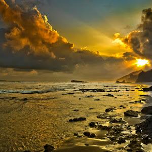 Pantai Karang Nini Pangandaran Pixoto.jpg