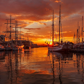 When the night comes by Rune Askeland - Landscapes Sunsets & Sunrises ( bergen, reflection, my hometown, tall ships, sunset, norge, norway )