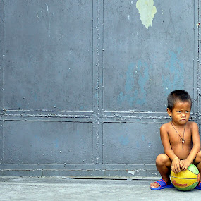 Lonely by Syam Kiki - Novices Only Street & Candid ( street & candid, child portraits, children candids, children, people )