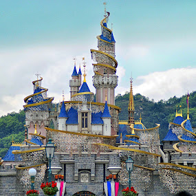 Hongkong Disneyland by Sandy Boentarya - Landscapes Travel