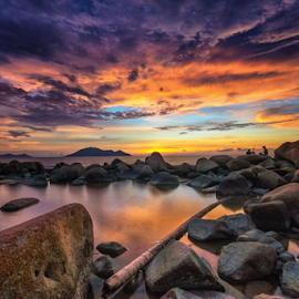 Sunset in Singkawang by Dedi Wahyudi - Landscapes Sunsets & Sunrises ( sky, sunset, ocean, seascape, beach, singkawang )