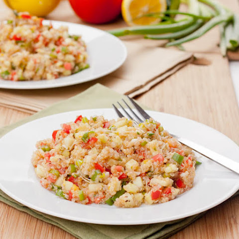 Quinoa Salad with Tomatoes, Cucumber and Alfalfa Sprouts