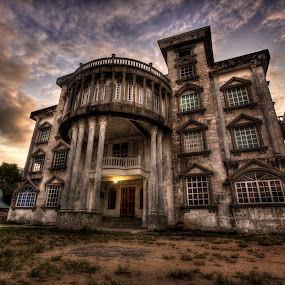 The haunted mansion by Cheah Nz - Buildings & Architecture Office Buildings & Hotels ( mansion, cheah, nz, haunted )