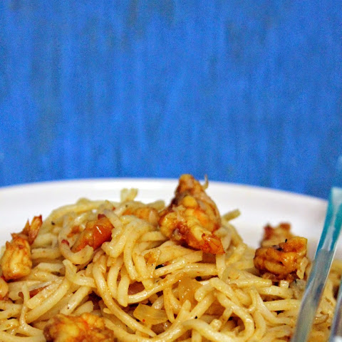 Hakka Noodles With Shrimps | Indo-Chinese Noodles