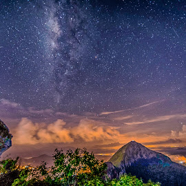 by Lim Keng - Landscapes Starscapes