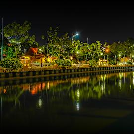 Malacca Riverside by Norhan Sukaatti - City,  Street & Park  Night ( mobilography, reflection, night photography, long, river )
