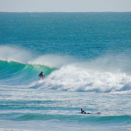 Onshore waves  by Di Mc - Novices Only Landscapes ( surfing, blue, waves, australia, ocean, surf )