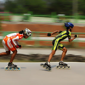 Try to overtake by Ari Wid - Sports & Fitness Other Sports ( roller, skate, sport, overtake, try,  )