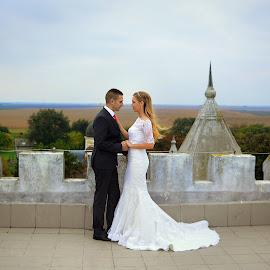 by Maja Macanović - Wedding Bride & Groom