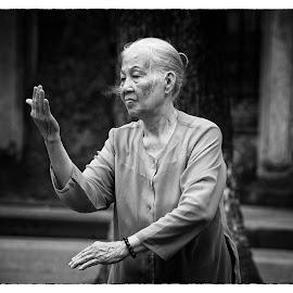 Tai Chi  by Richard Ryan - Sports & Fitness Fitness ( fitness, hanoi, execise, vietnamese, vietnam, tai chi,  )