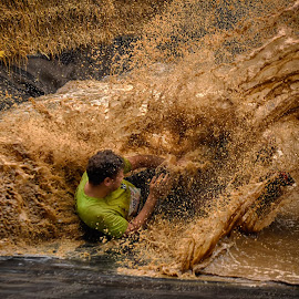 Big Splash ! by Marco Bertamé - Sports & Fitness Other Sports ( water, stroingmanrun, differdange, splash, splatter, green, 2015, number, soup, luxembourg, muddy, 1330, sliding, strong, brown, man )