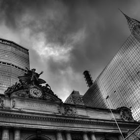 Grand Central Station, New York by Luis Cabarrus - Landscapes Travel
