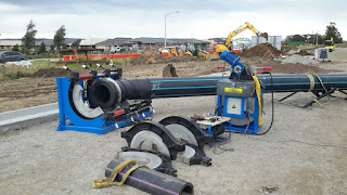 mains laying gas pipe